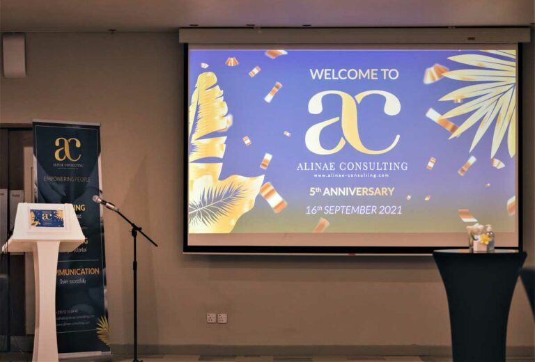 Slideshow presentation of the new graphic charter of Alinae Consulting for the 5th anniversary